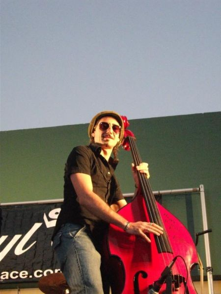 Daniele de los angeles teacher teaches private in 90027 for Yamaha music school los angeles